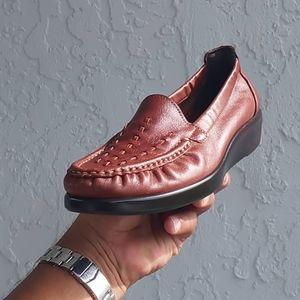SAS Weave Slip On Loafer in Chestnut Foot-Shape®